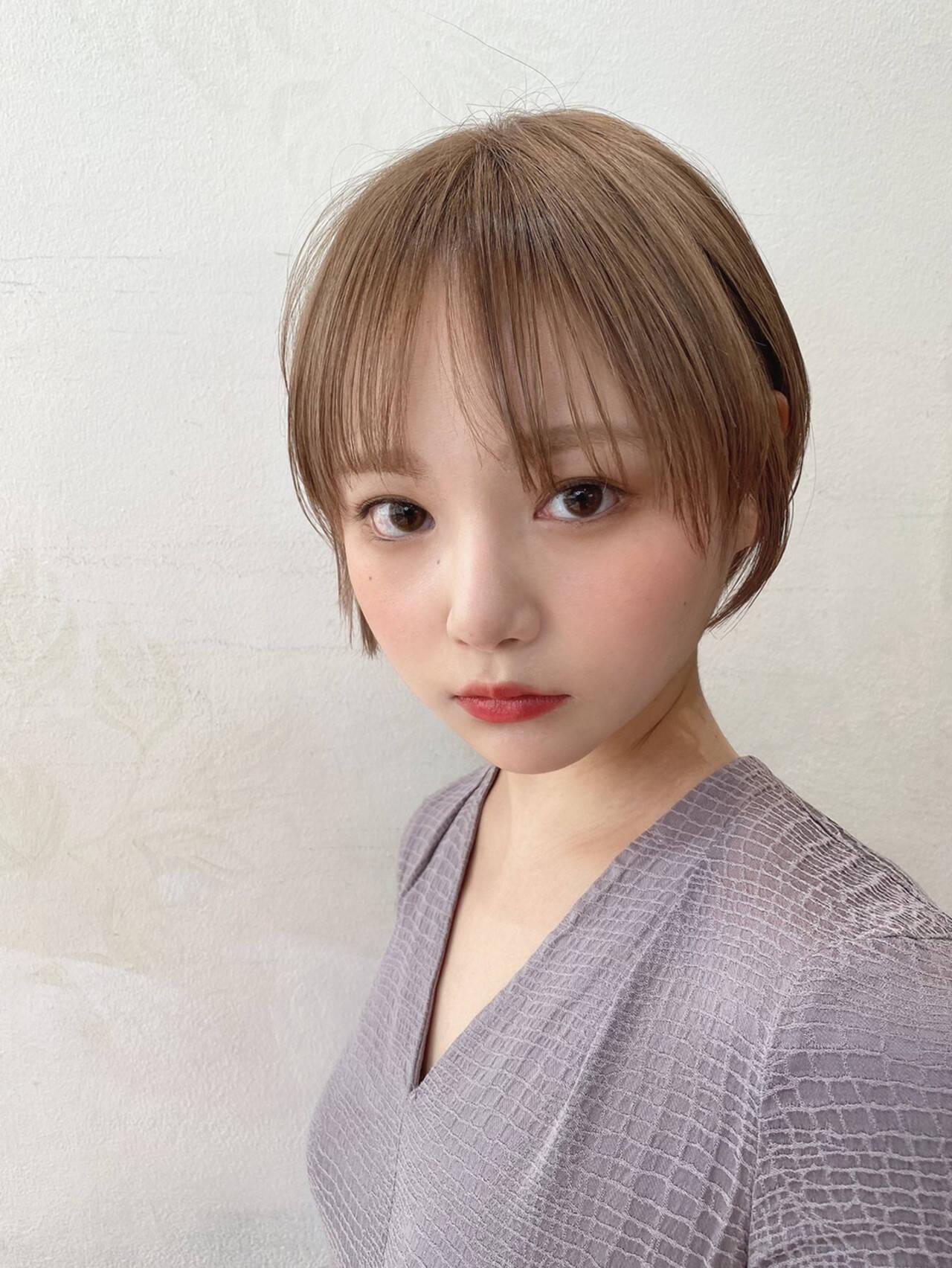 フェミニン ショート ミニボブ ミルクティーベージュヘアスタイルや髪型の写真・画像