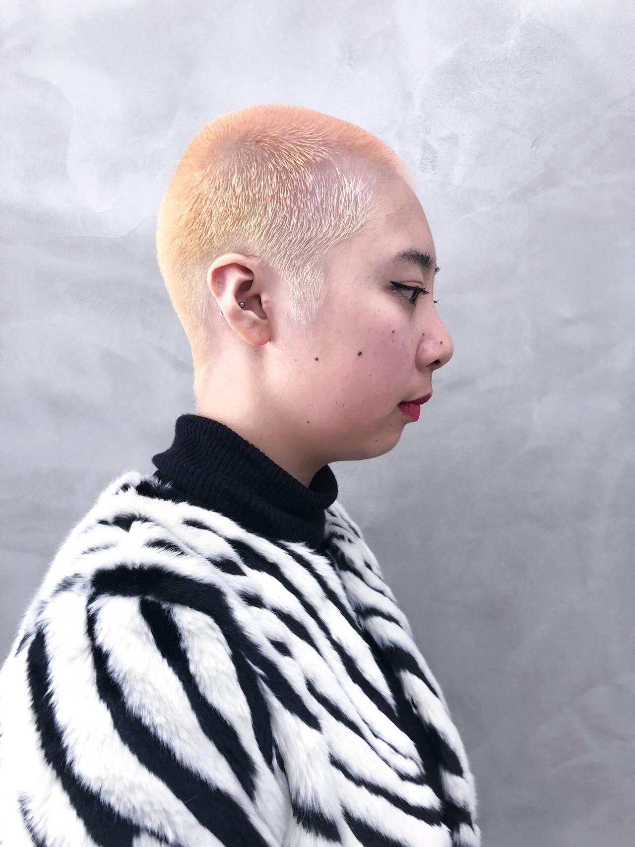 ホワイトブリーチ オシャレ坊主 ベリーショート ダブルカラーヘアスタイルや髪型の写真・画像