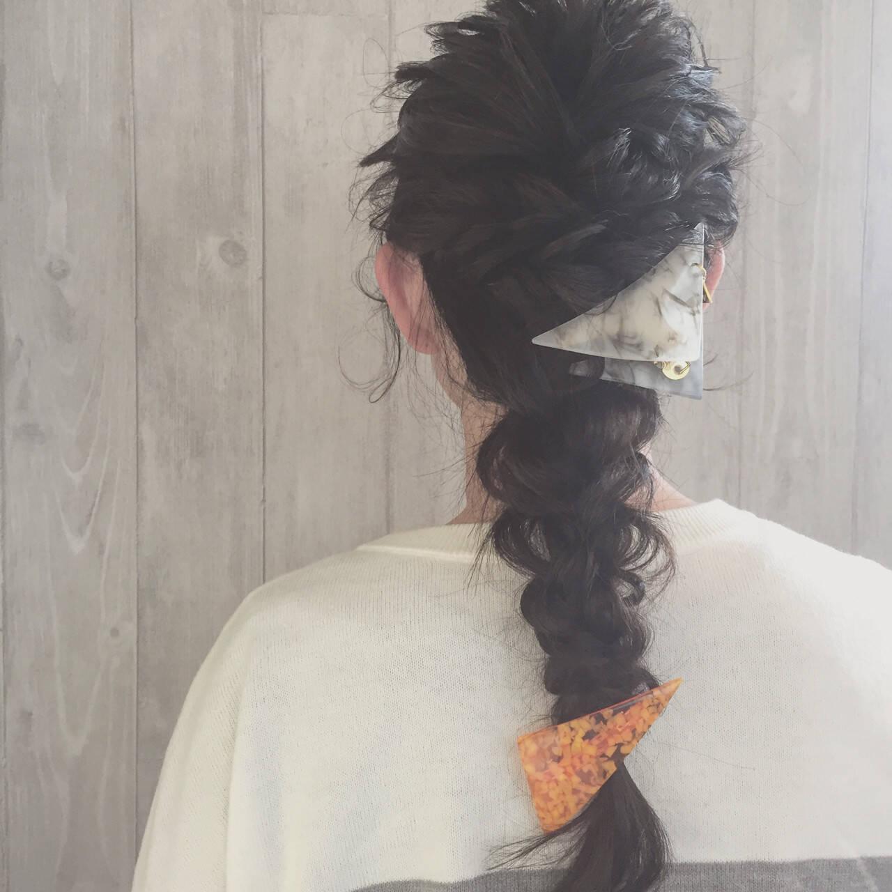 ねじり 黒髪 三つ編み ヘアアレンジヘアスタイルや髪型の写真・画像