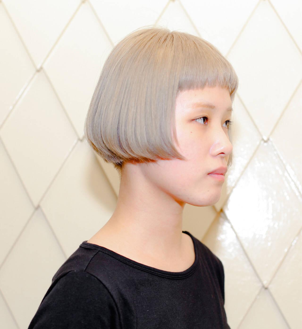ブリーチ 外国人風 ショート 切りっぱなしヘアスタイルや髪型の写真・画像