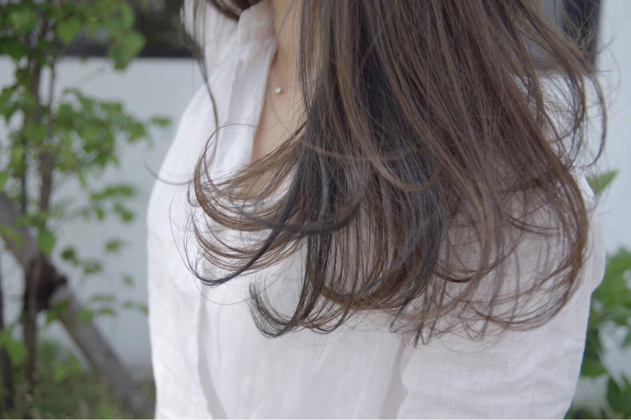 エレガント 透明感 ウェーブ ローライトヘアスタイルや髪型の写真・画像