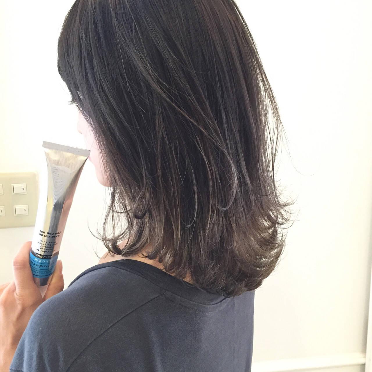 ストリート ハイライト グレージュ アッシュヘアスタイルや髪型の写真・画像