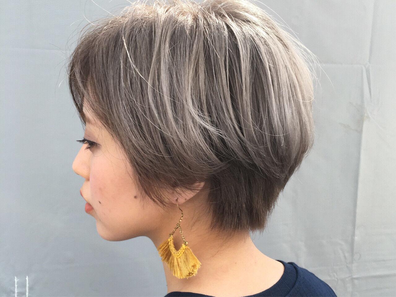 モード ホワイトアッシュ ハイトーン グレージュヘアスタイルや髪型の写真・画像