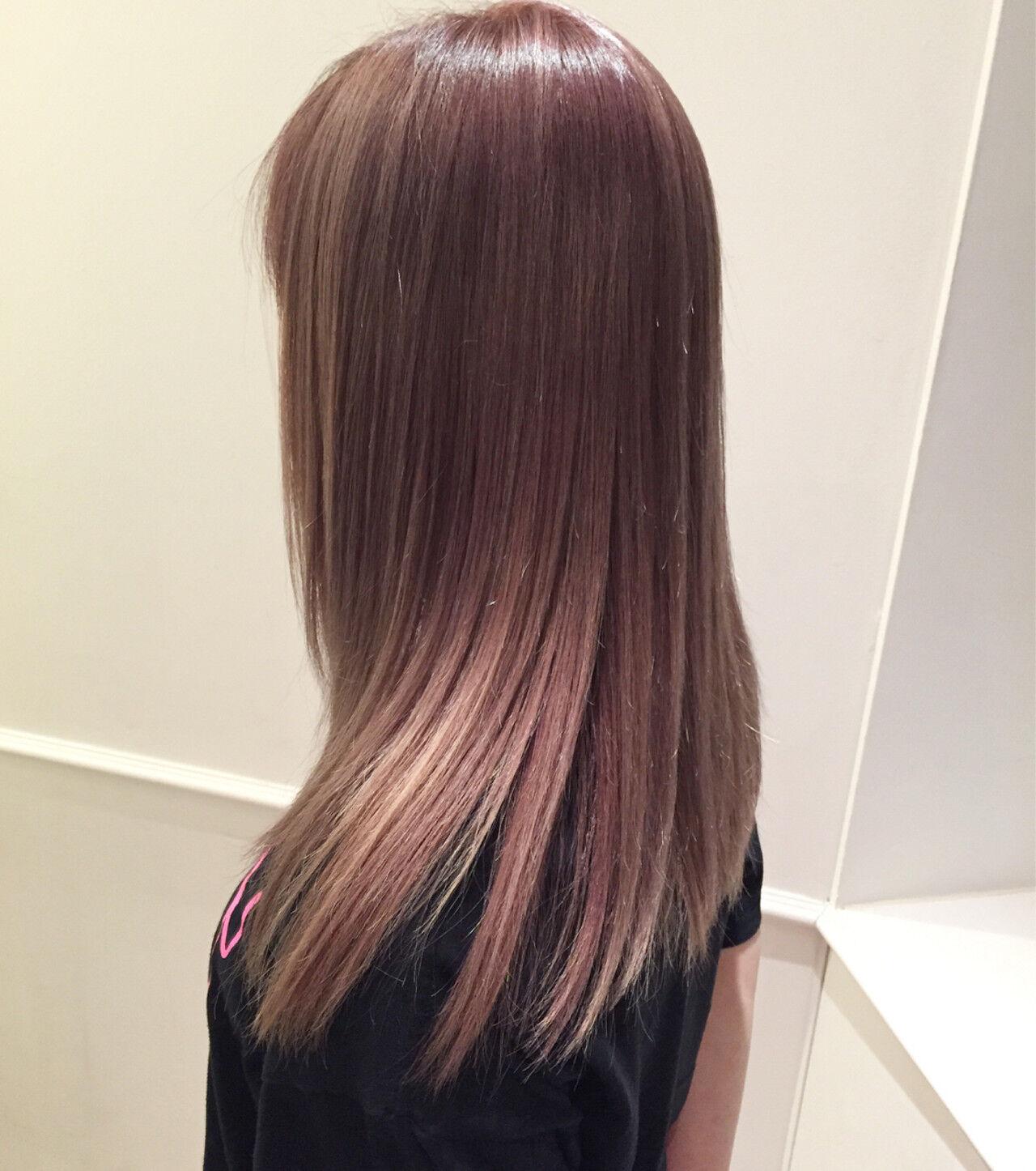 セミロング ストレート ピンク 艶髪ヘアスタイルや髪型の写真・画像