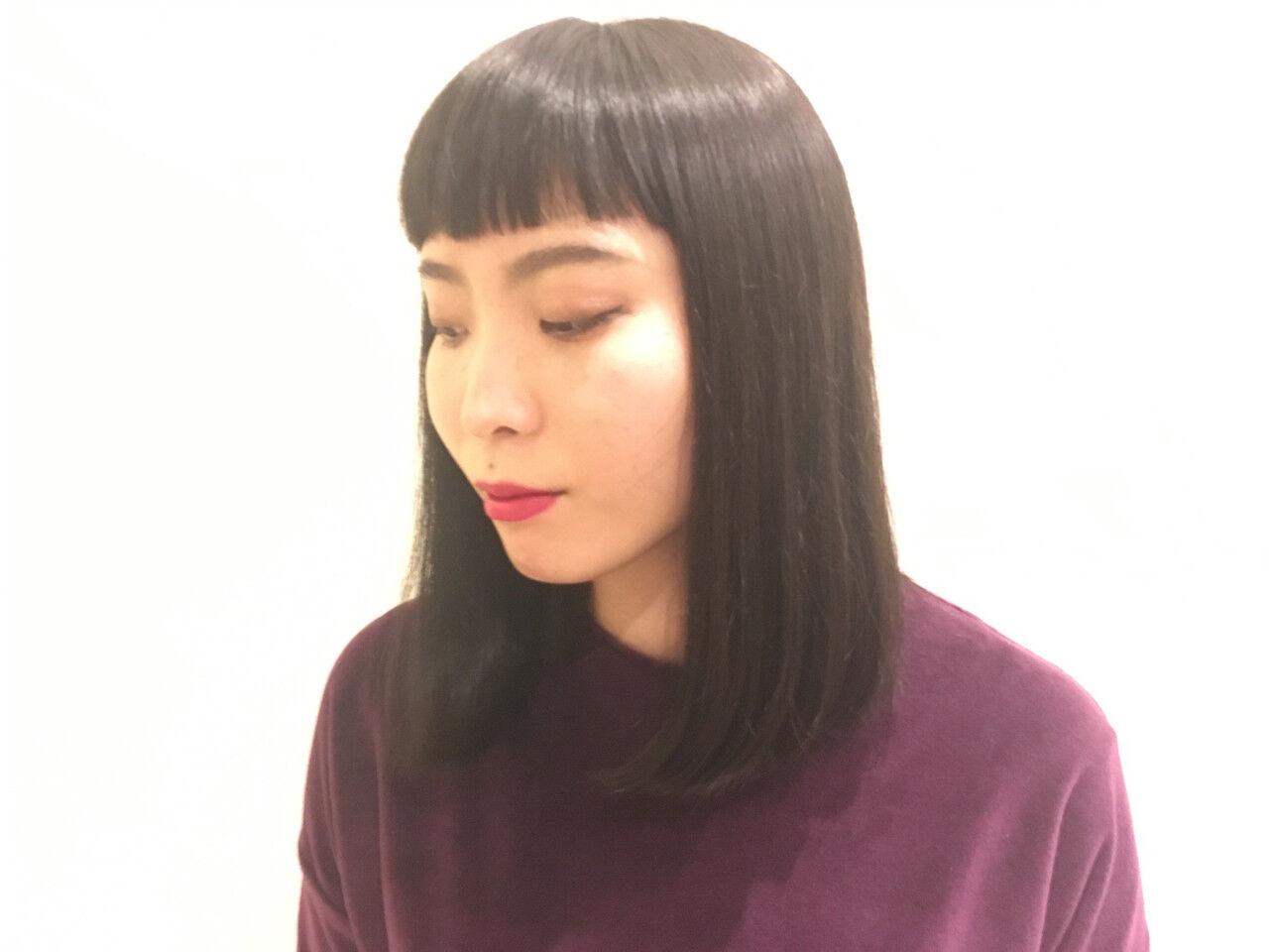 前下がり かっこいい ミディアム 切りっぱなしヘアスタイルや髪型の写真・画像