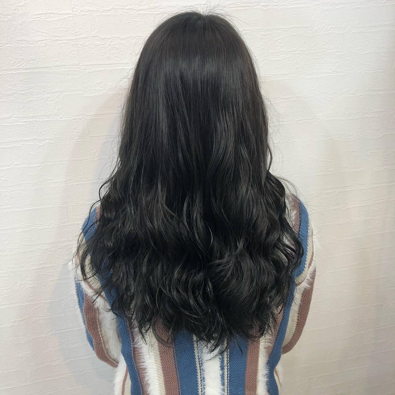 ブルージュ ナチュラル ネイビーブルー ロングヘアスタイルや髪型の写真・画像