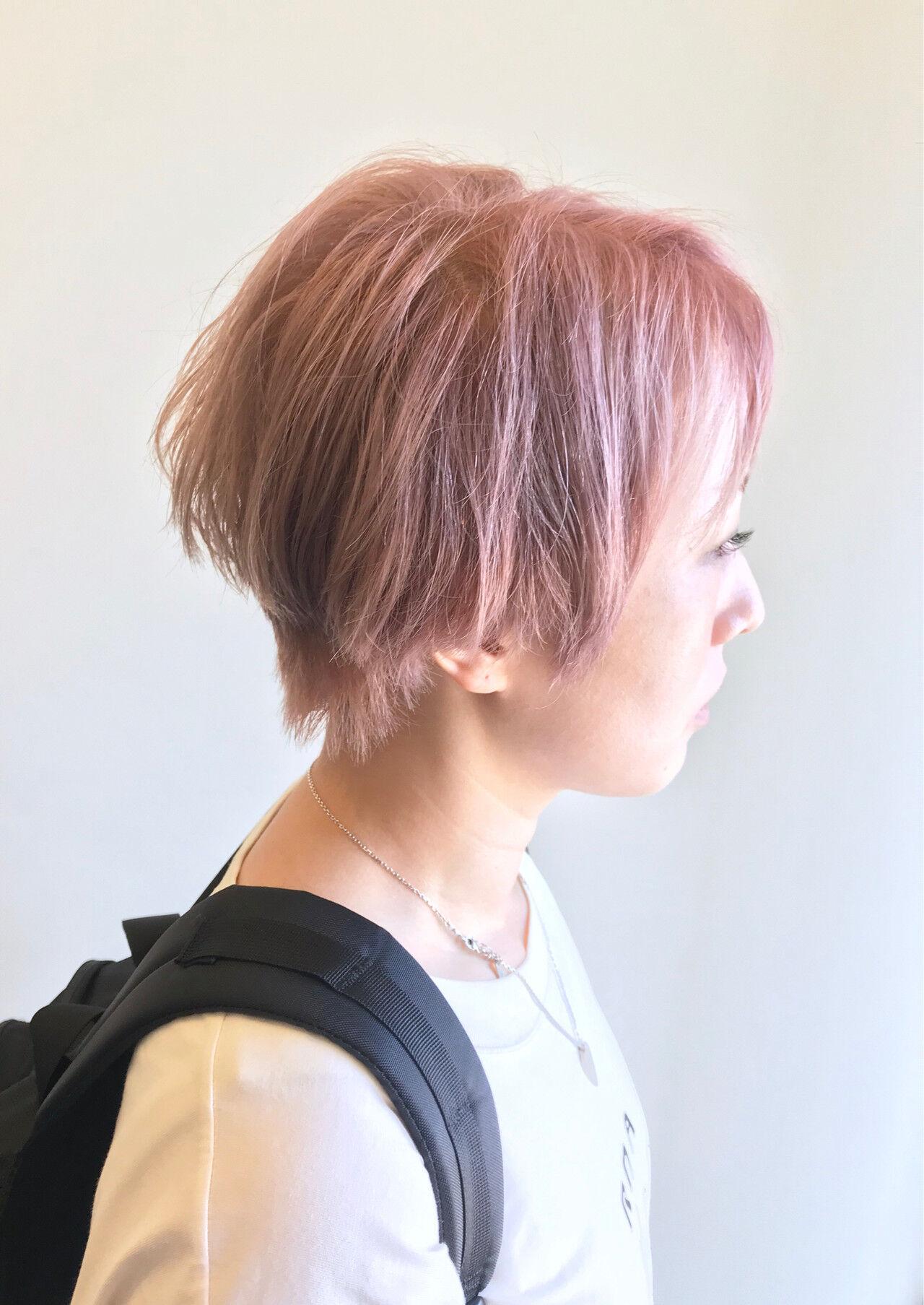 ハイトーンカラー ショート モード ピンクベージュヘアスタイルや髪型の写真・画像