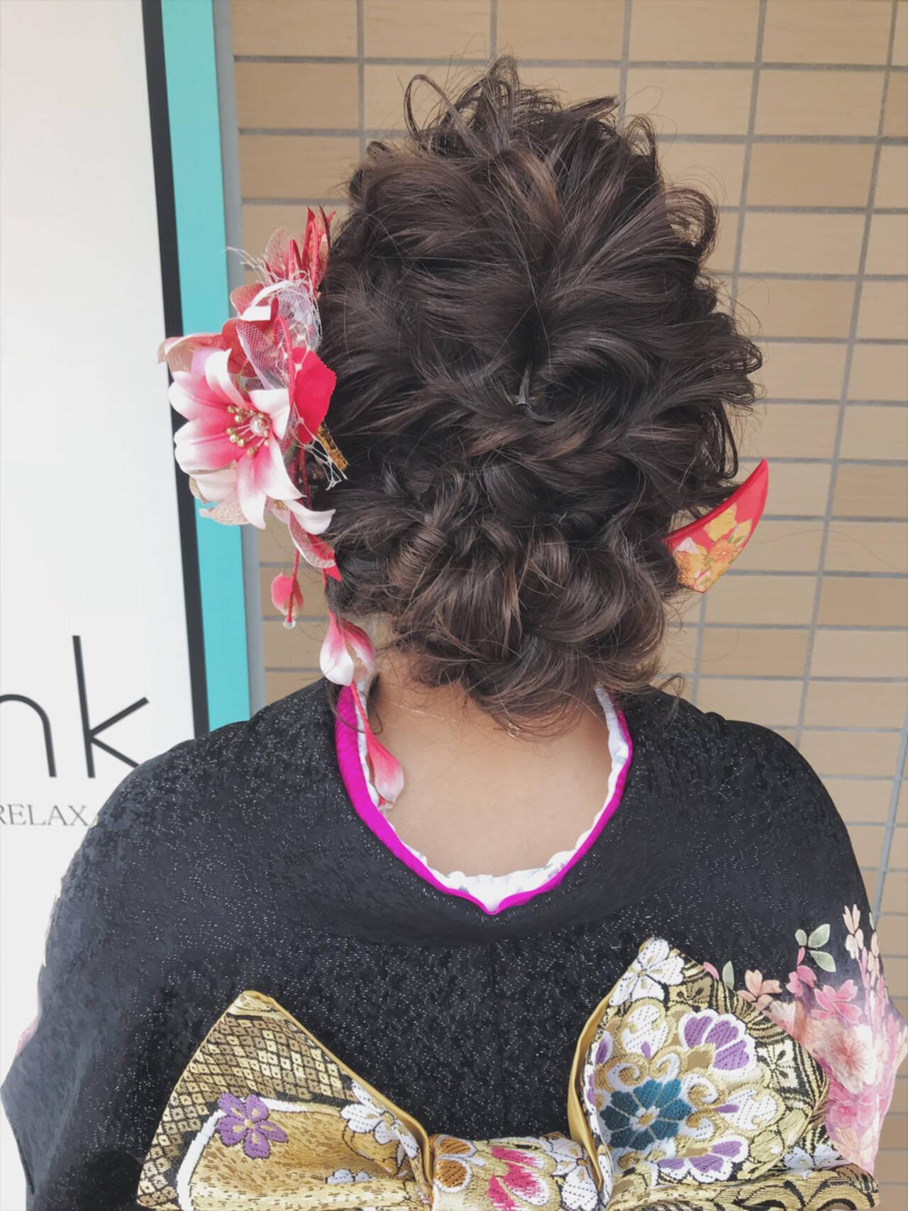 ヘアアレンジ セミロング 成人式 ガーリーヘアスタイルや髪型の写真・画像