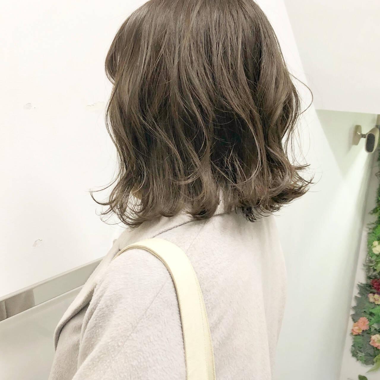 アンニュイほつれヘア ボブ パーマ 切りっぱなしヘアスタイルや髪型の写真・画像