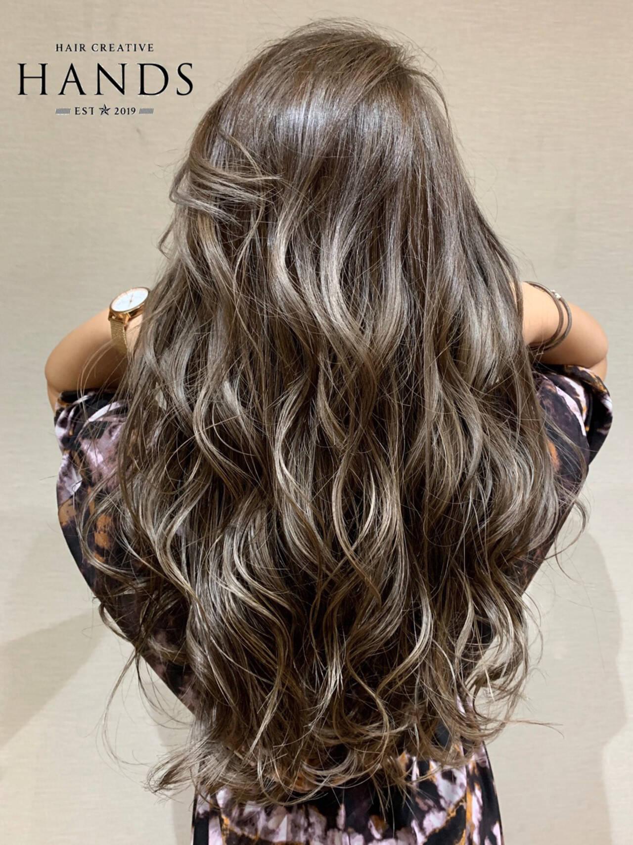 エアータッチ グラデーションカラー ナチュラル ハイライトヘアスタイルや髪型の写真・画像