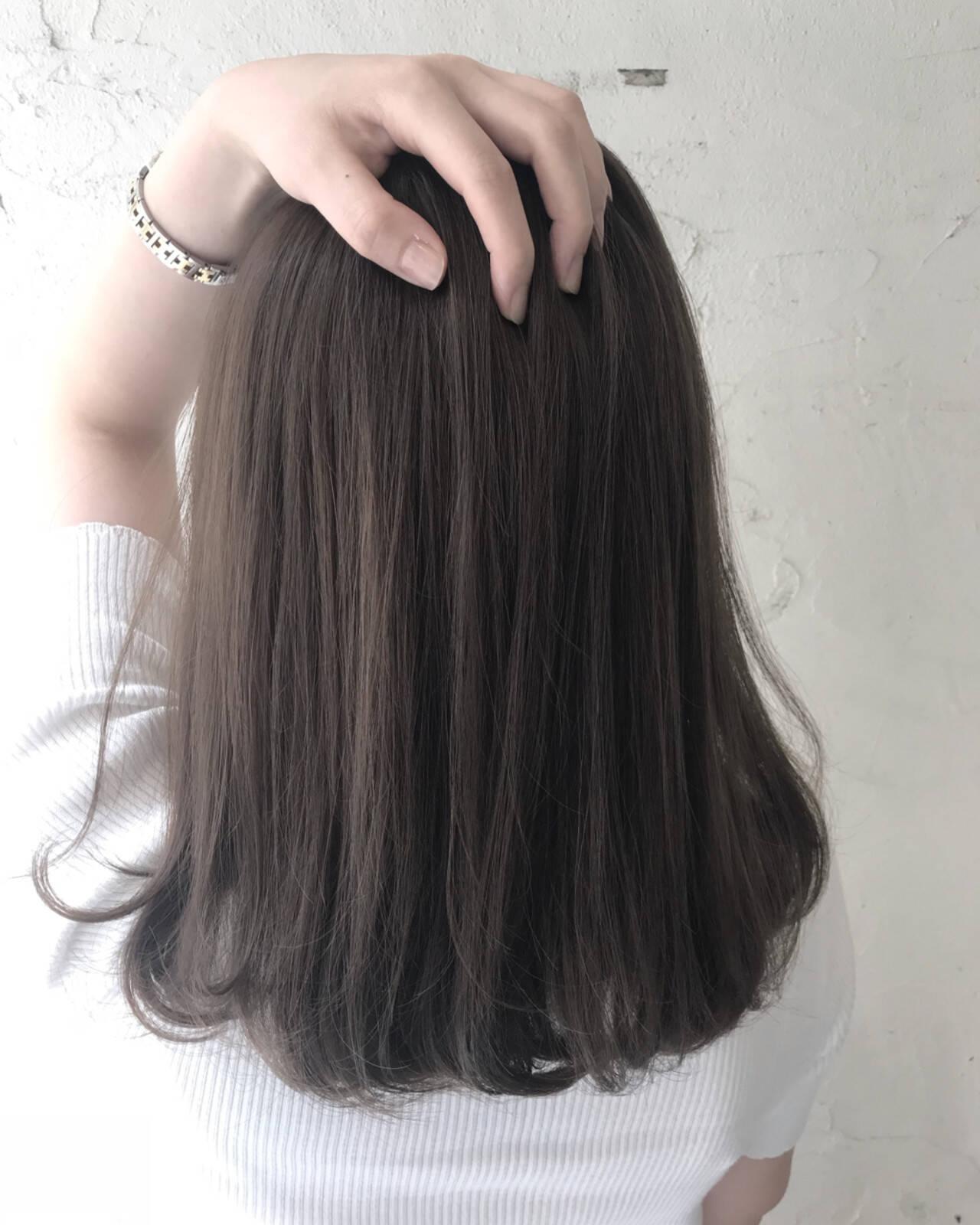 暗髪 外国人風 ミディアム ナチュラルヘアスタイルや髪型の写真・画像