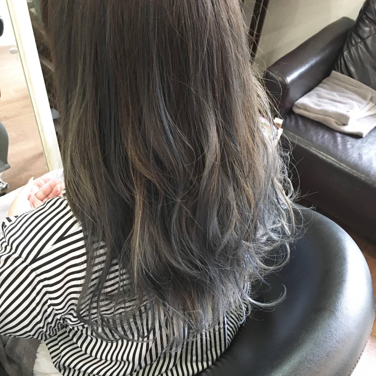 ロング アッシュ ローライト モードヘアスタイルや髪型の写真・画像