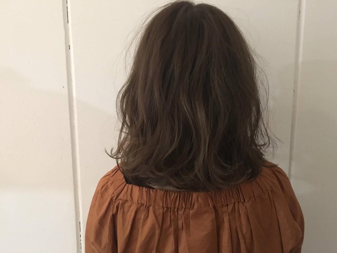 大人かわいい グレージュ アッシュ ミディアムヘアスタイルや髪型の写真・画像