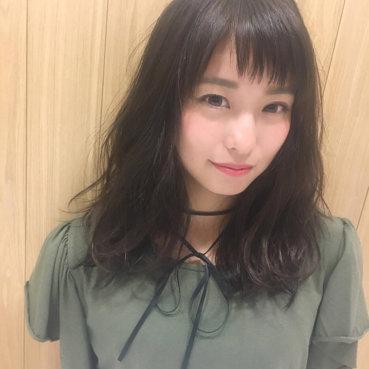前髪あり 大人かわいい セミロング ガーリーヘアスタイルや髪型の写真・画像