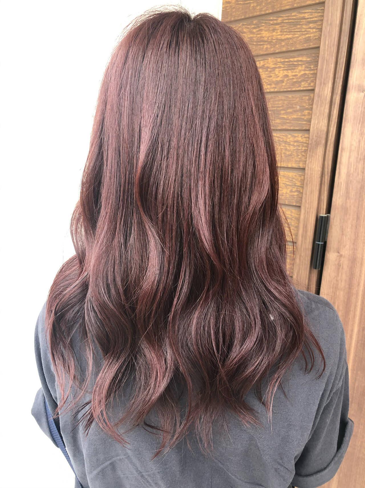 ピンクベージュ セミロング フェミニン ピンクブラウンヘアスタイルや髪型の写真・画像