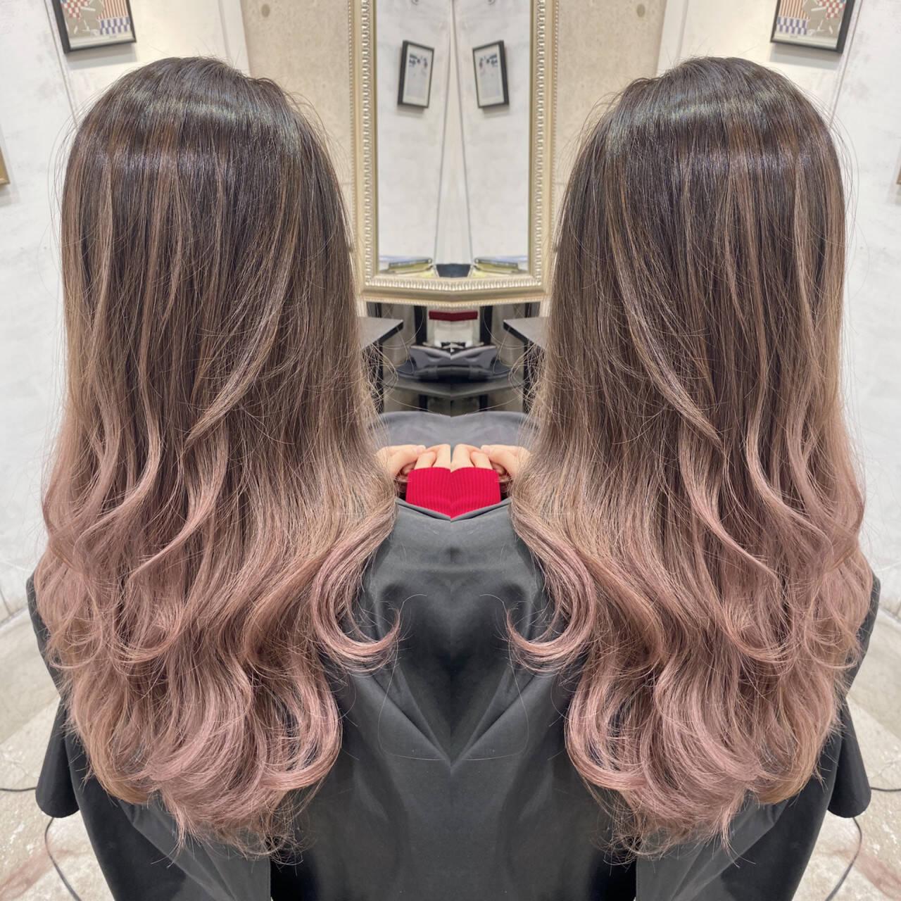 ピンクベージュ ナチュラル ミルクティーベージュ ハイライトヘアスタイルや髪型の写真・画像