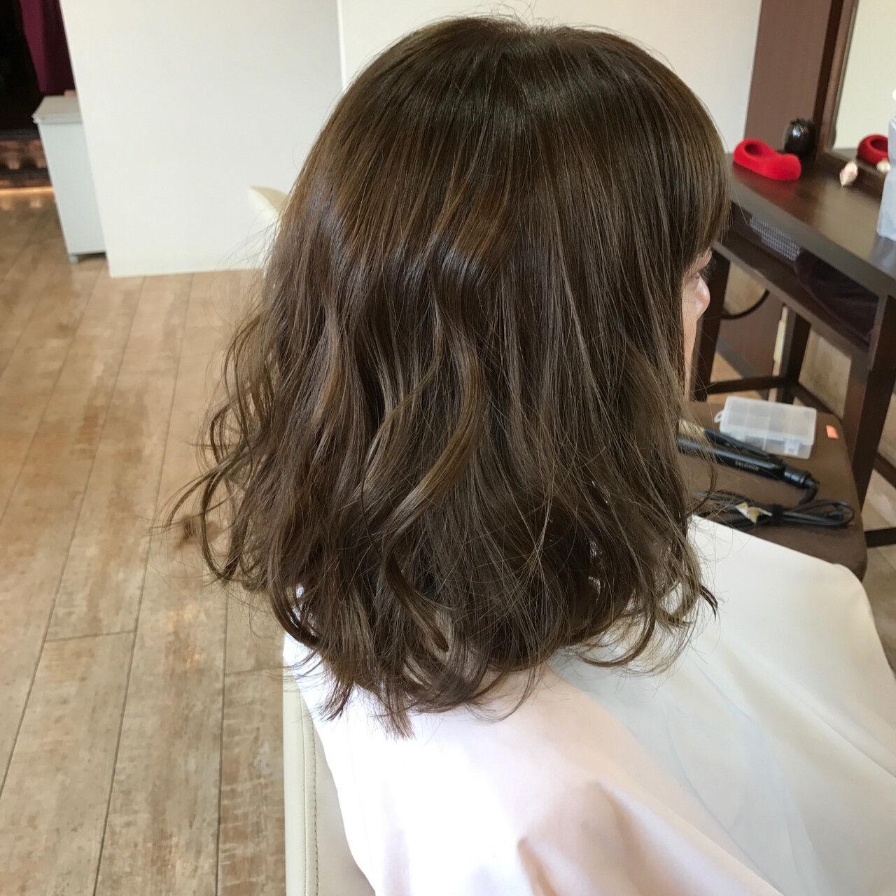 アッシュ ボブ ナチュラル モードヘアスタイルや髪型の写真・画像