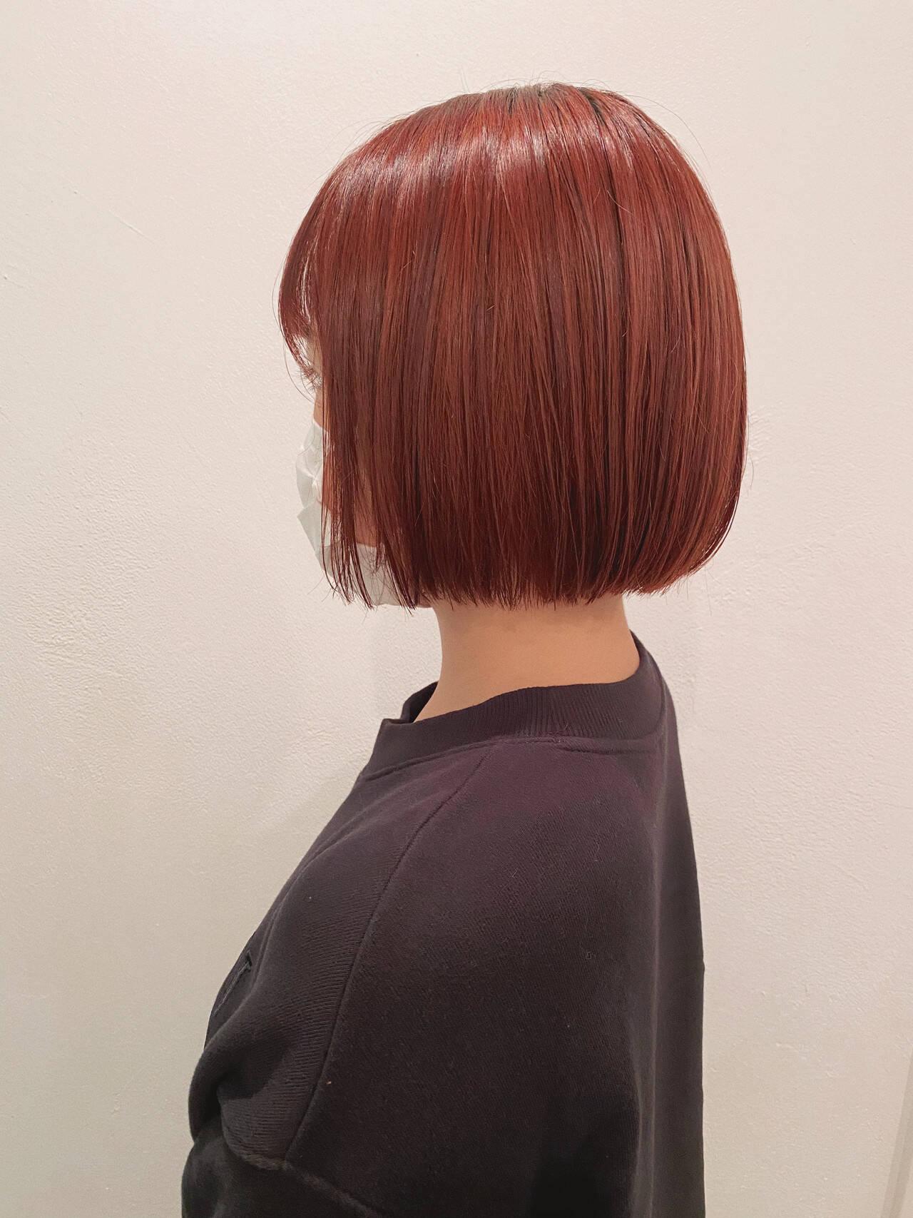 ミニボブ ピンク 切りっぱなしボブ 秋冬スタイルヘアスタイルや髪型の写真・画像