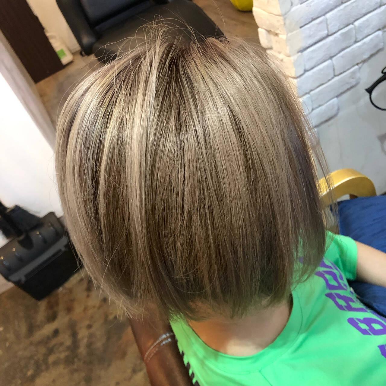 ハイトーンボブ ストリート ダブルカラー ボブヘアスタイルや髪型の写真・画像