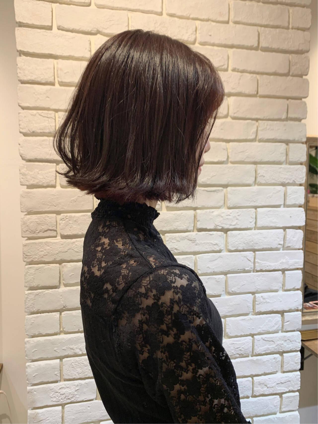 ボブ 外ハネボブ ピンクベージュ ミニボブヘアスタイルや髪型の写真・画像