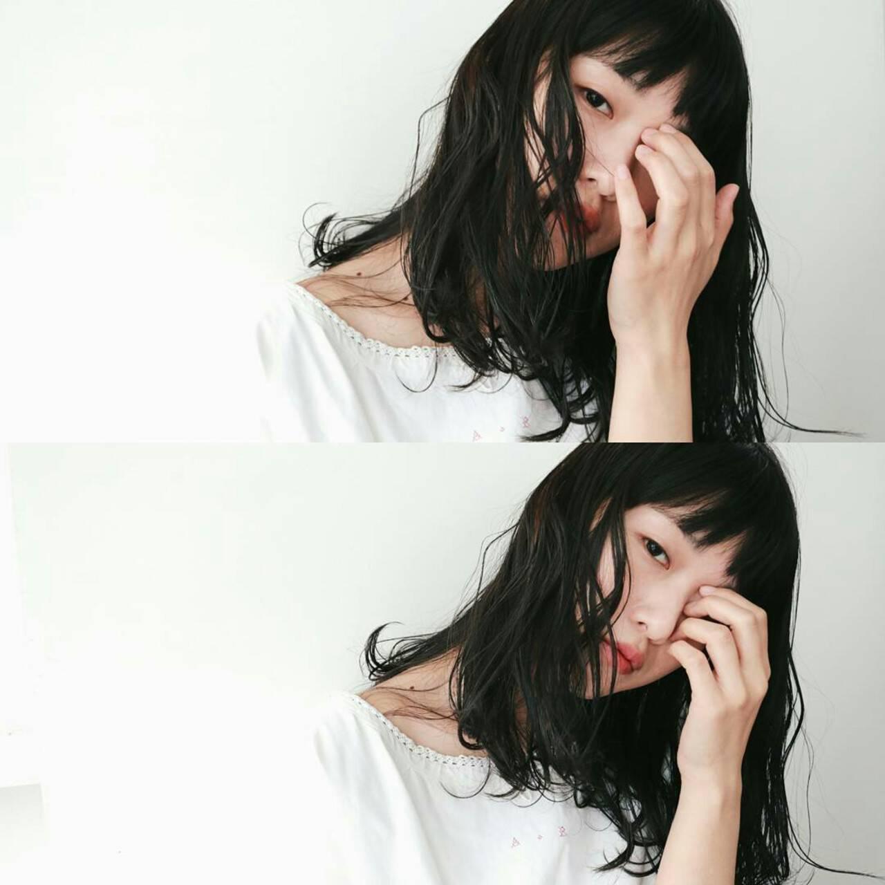 大人かわいい 黒髪 セミロング 前髪ありヘアスタイルや髪型の写真・画像