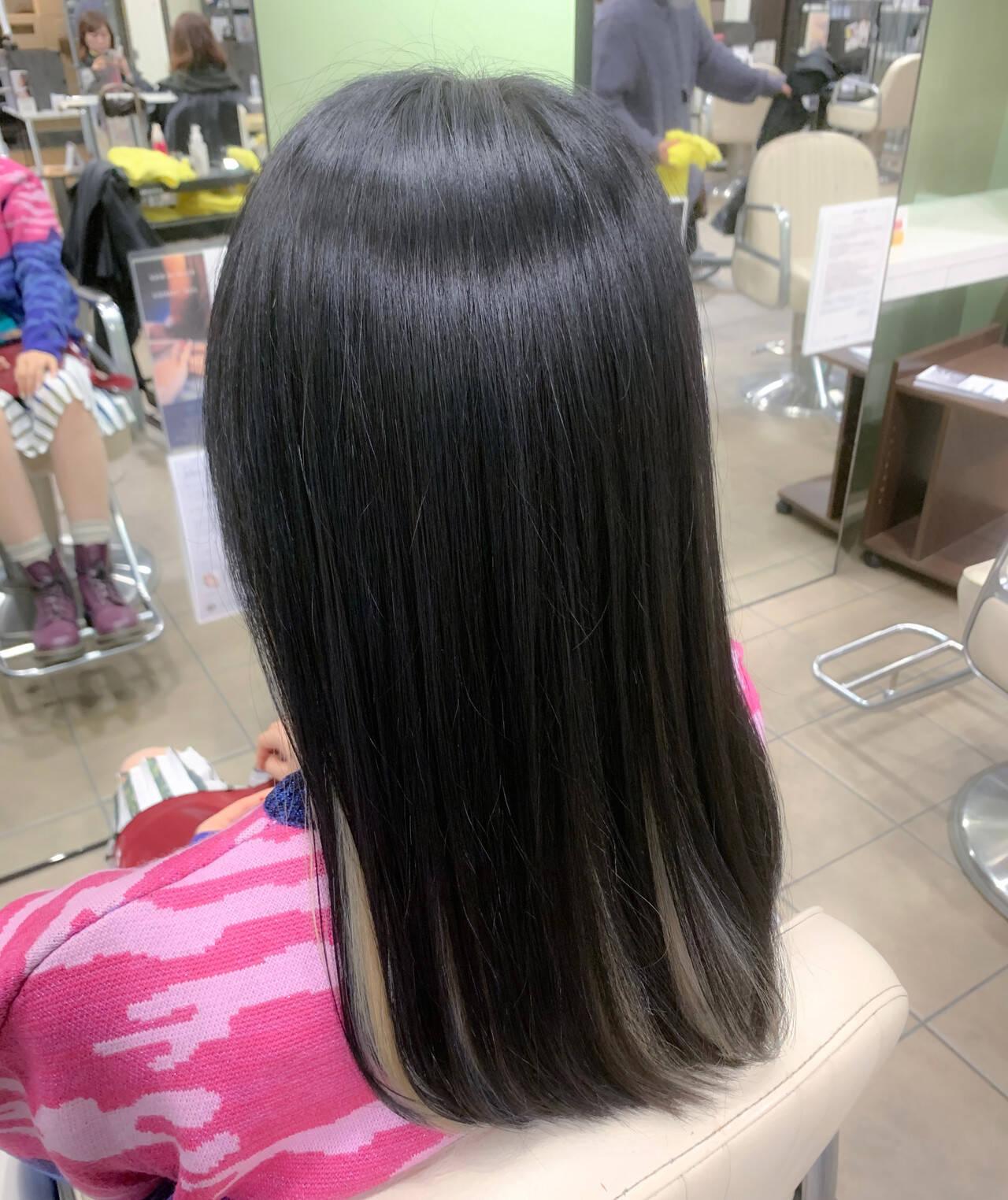 ホワイトカラー ロング デザインカラー ハイトーンカラーヘアスタイルや髪型の写真・画像