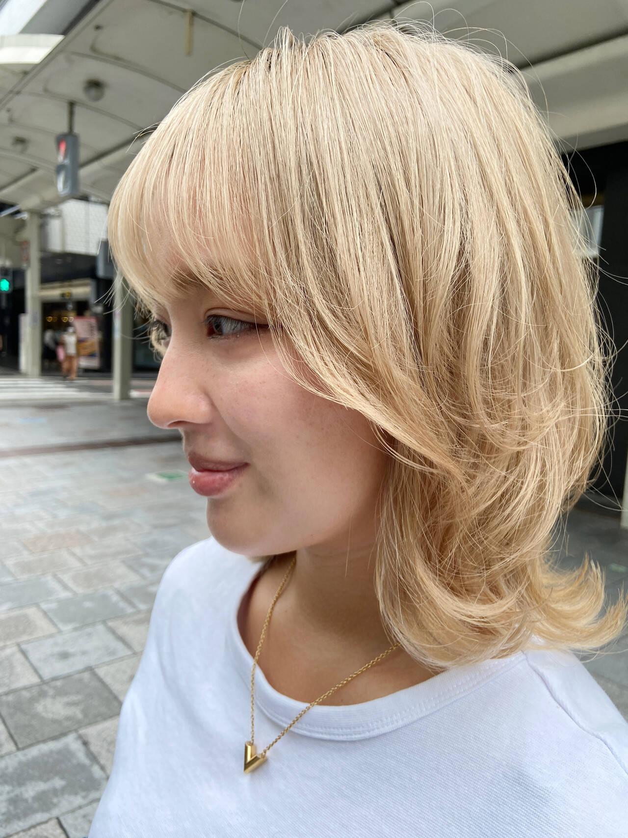 ホワイトブリーチ インナーカラー ブリーチカラー アッシュベージュヘアスタイルや髪型の写真・画像