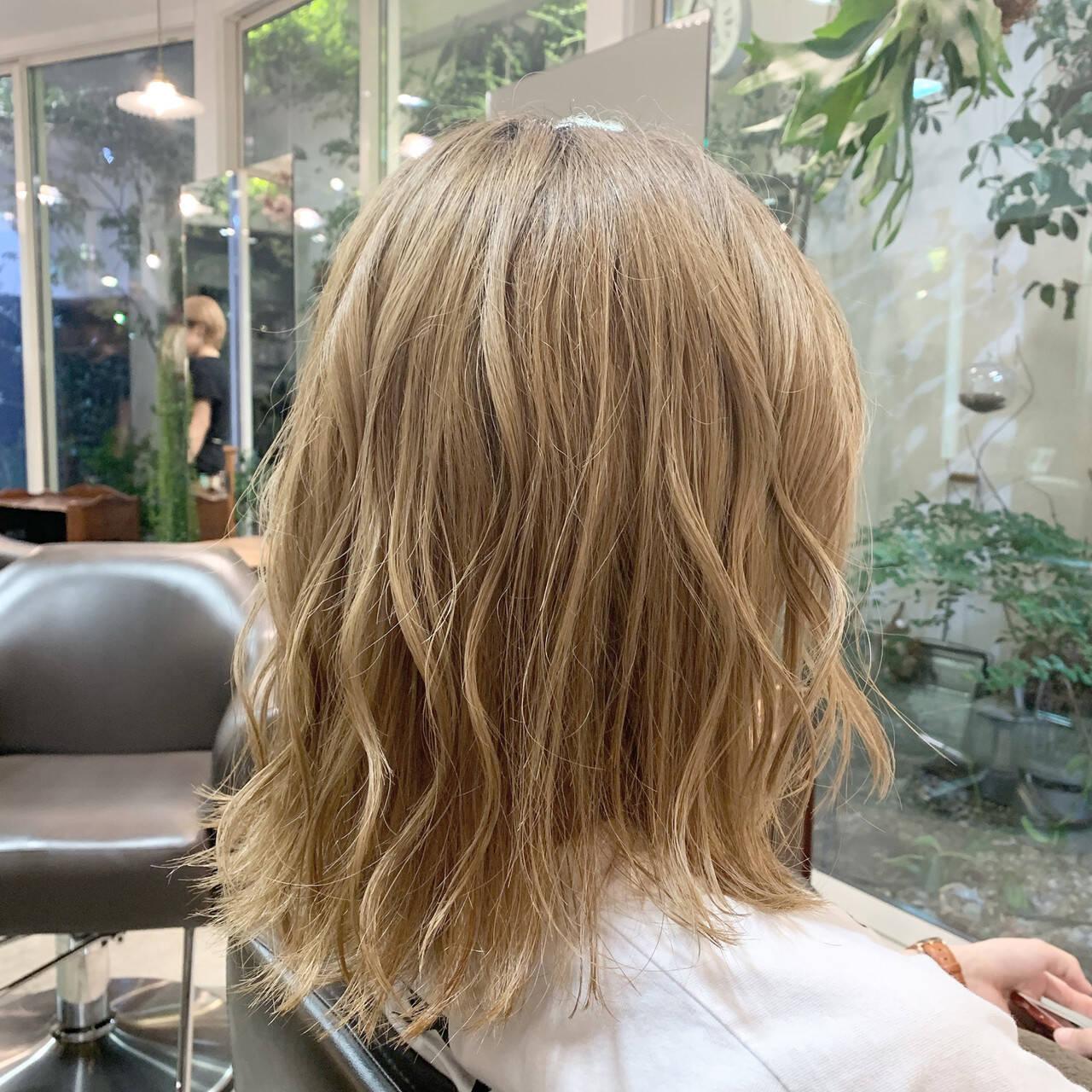 モテボブ ベージュ 大人女子 ボブヘアスタイルや髪型の写真・画像