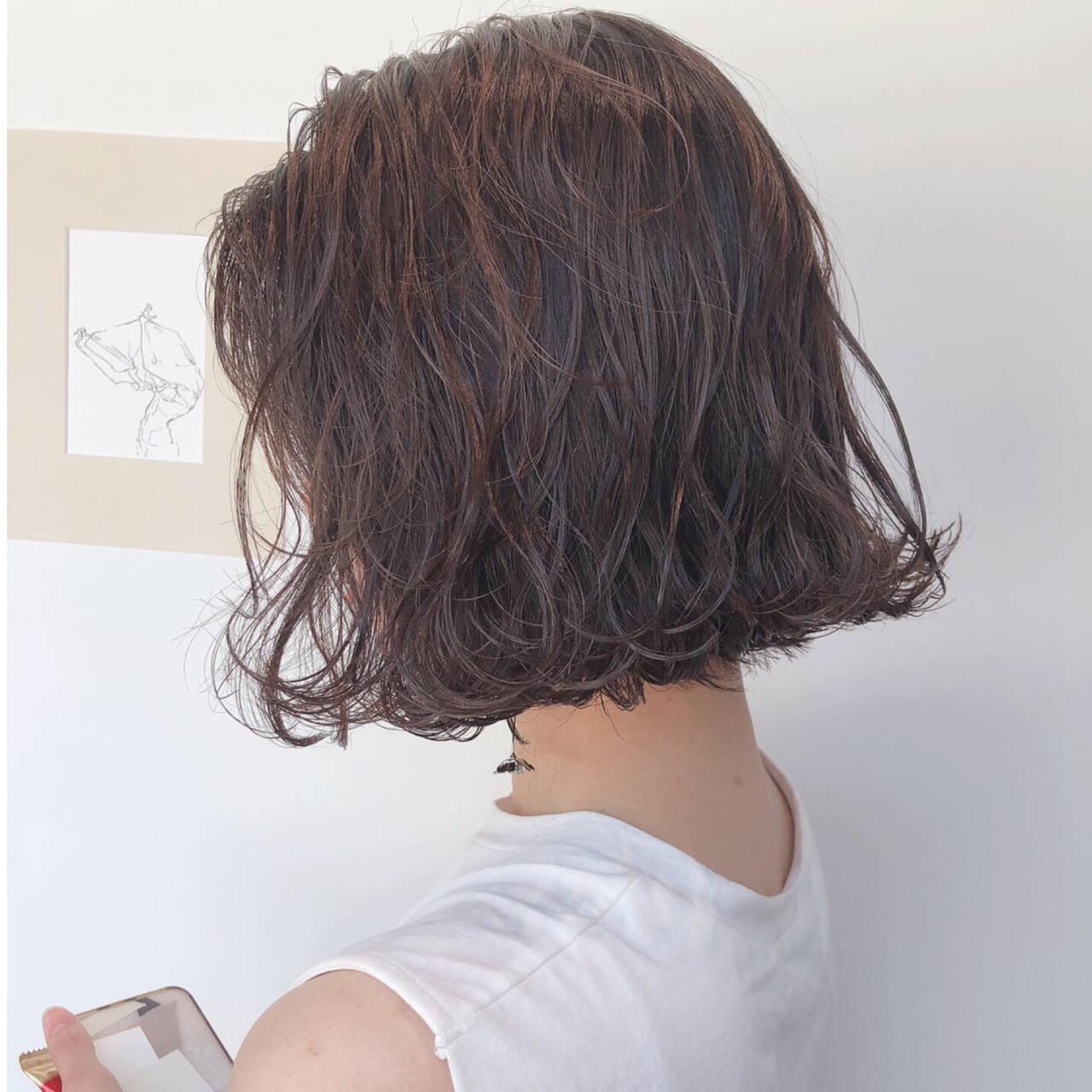 ボブ ナチュラル ラベンダーグレージュ アッシュグレージュヘアスタイルや髪型の写真・画像