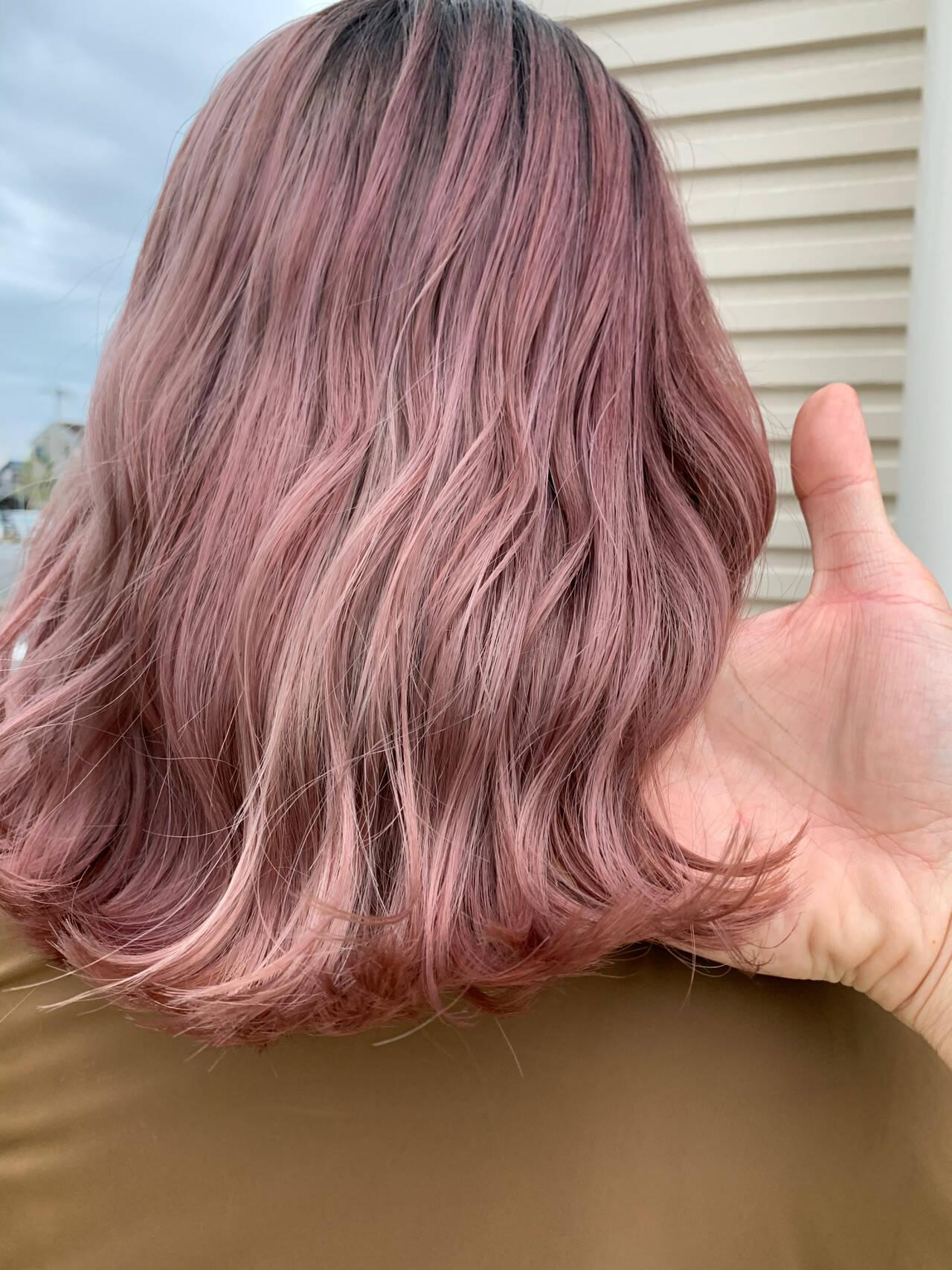 ガーリー ピンク ピンクパープル ミディアムヘアスタイルや髪型の写真・画像