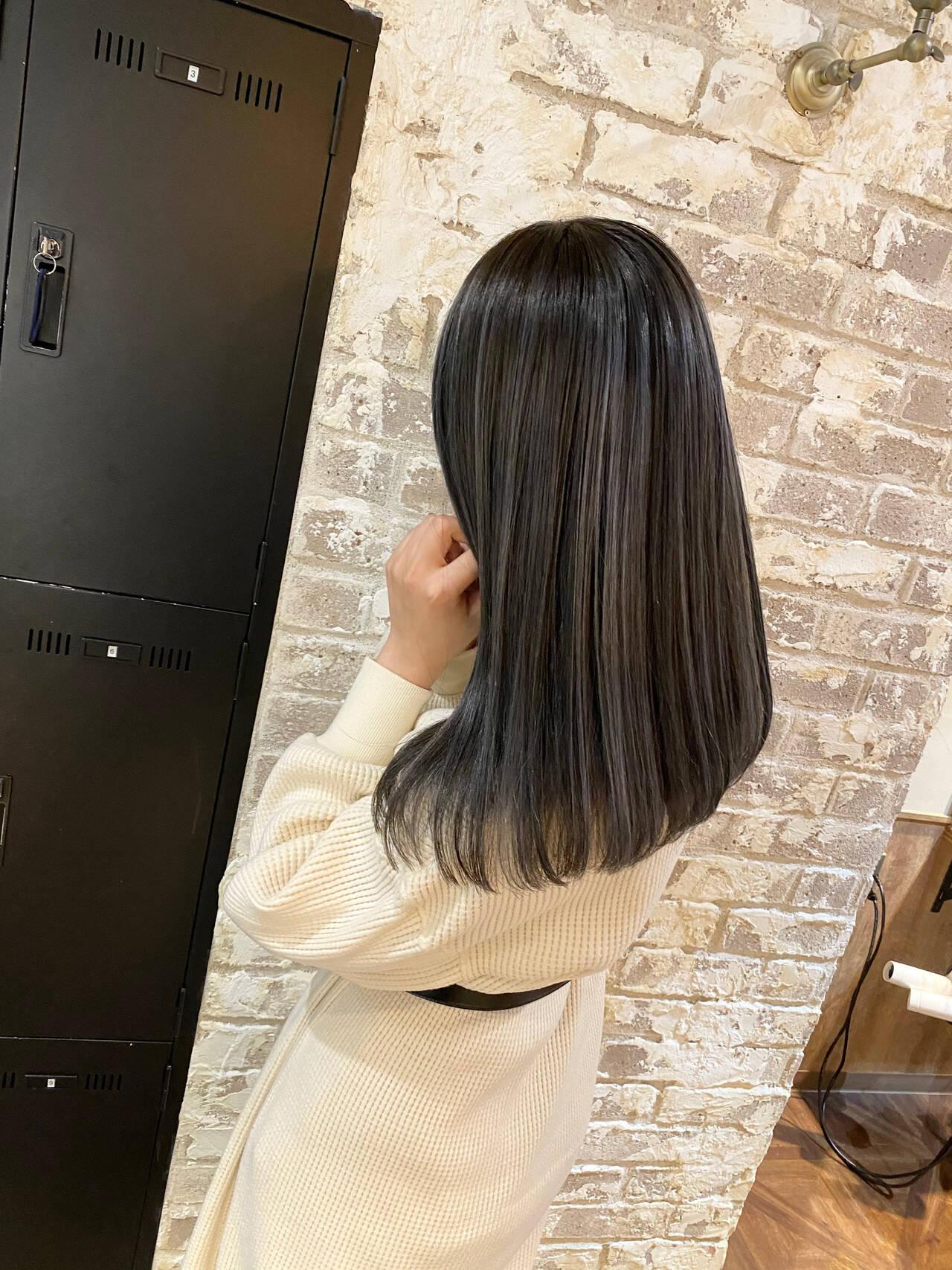 コントラストハイライト シルバー ハイライト 外国人風ヘアスタイルや髪型の写真・画像