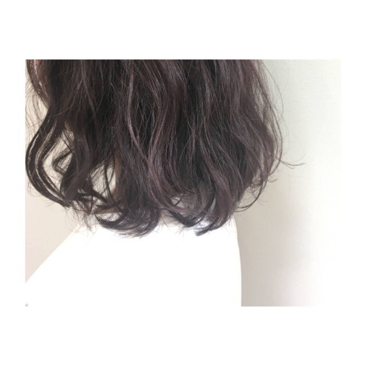 ミディアム ラベンダーピンク フェミニン ラベンダーヘアスタイルや髪型の写真・画像
