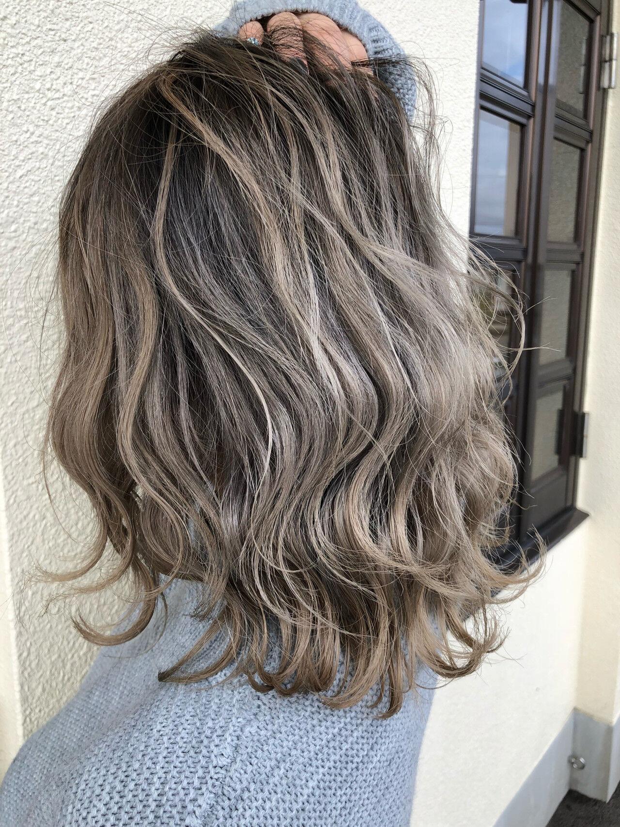 ナチュラル デート アンニュイほつれヘア ミディアムヘアスタイルや髪型の写真・画像