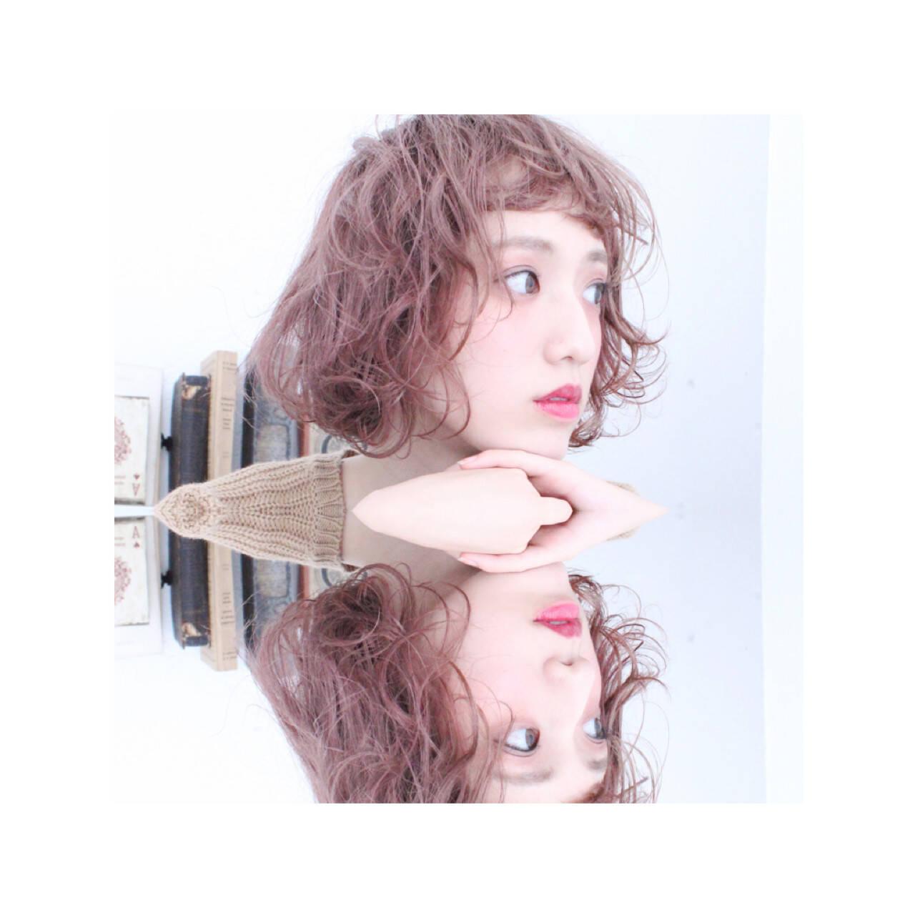 冬 くせ毛風 外国人風 ボブヘアスタイルや髪型の写真・画像