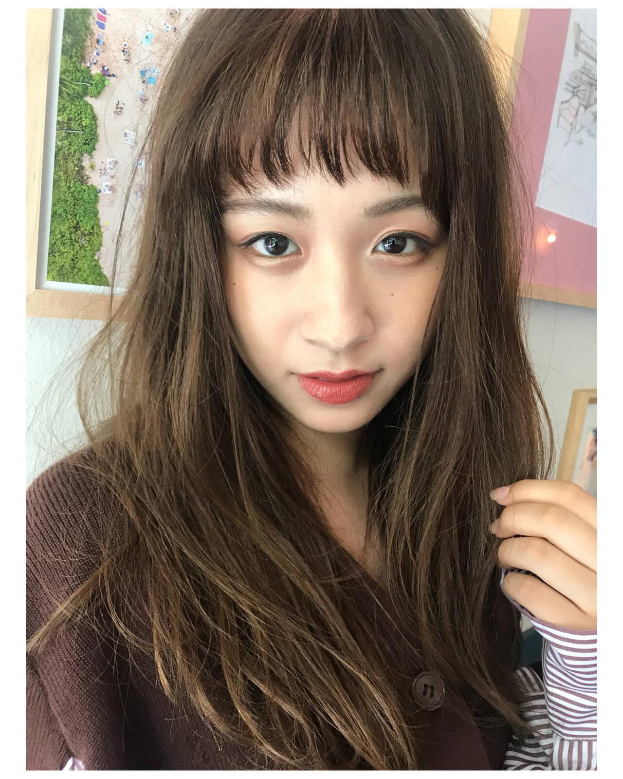 ベビーバング フェミニン ジグザグ オン眉ヘアスタイルや髪型の写真・画像