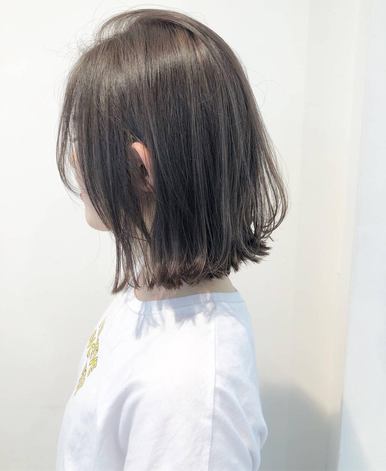 外ハネ グレージュ ボブ 透明感ヘアスタイルや髪型の写真・画像