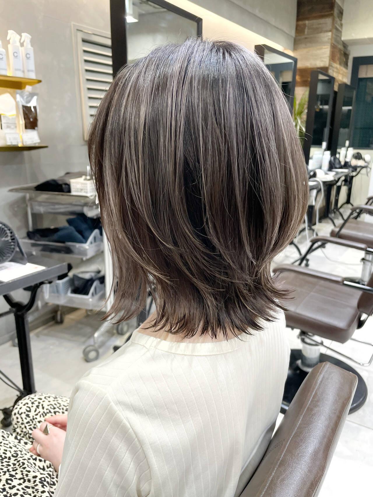 切りっぱなしボブ グレージュ ウルフカット ハイライトヘアスタイルや髪型の写真・画像