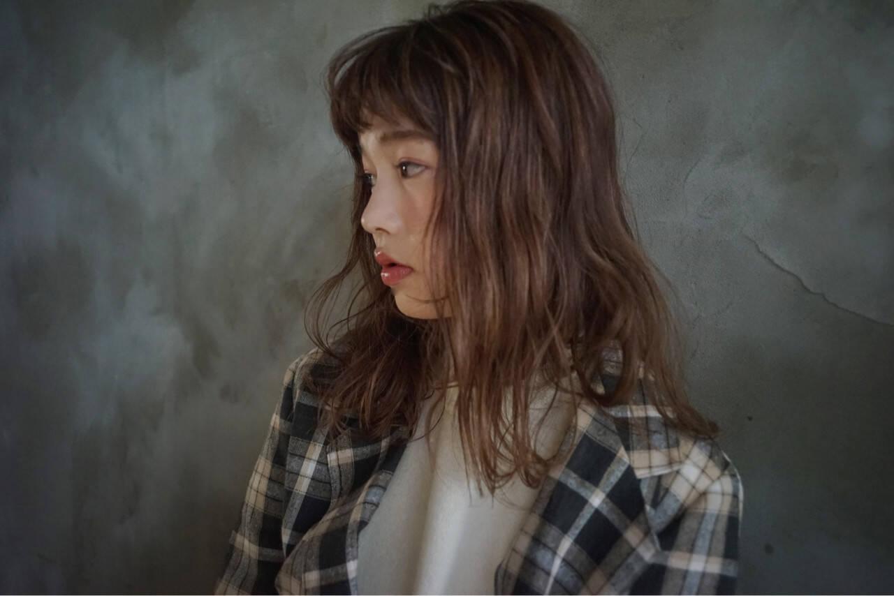 アンニュイほつれヘア グレージュ オーガニック ナチュラルヘアスタイルや髪型の写真・画像