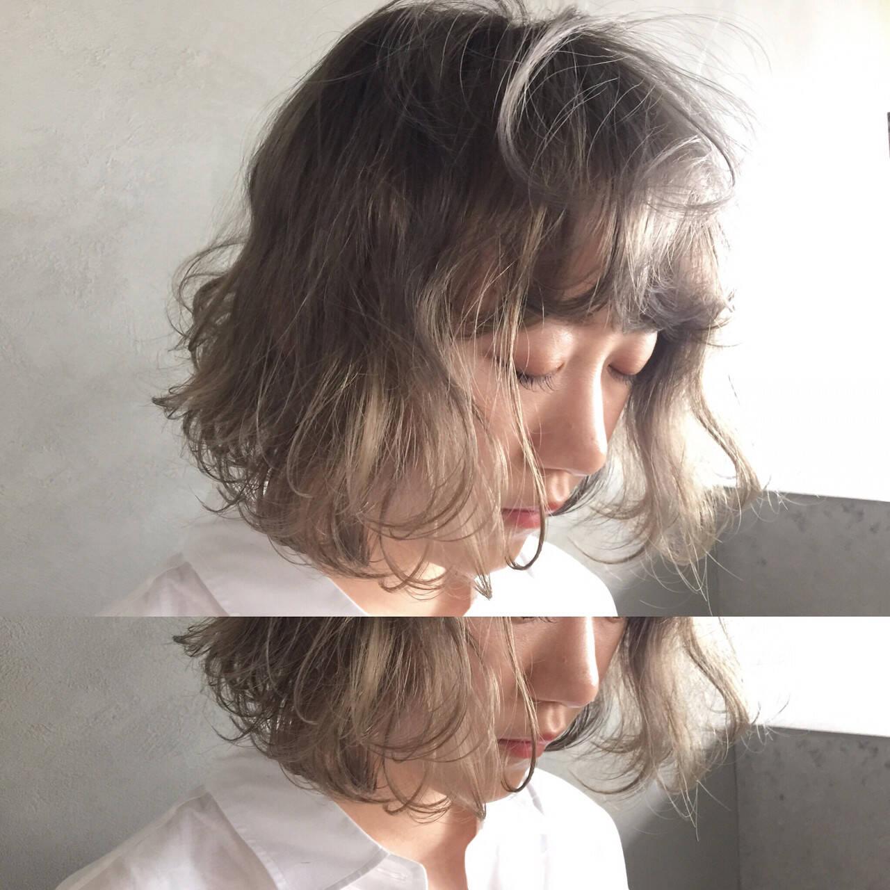 くせ毛風 ブリーチ ボブ ダブルカラーヘアスタイルや髪型の写真・画像