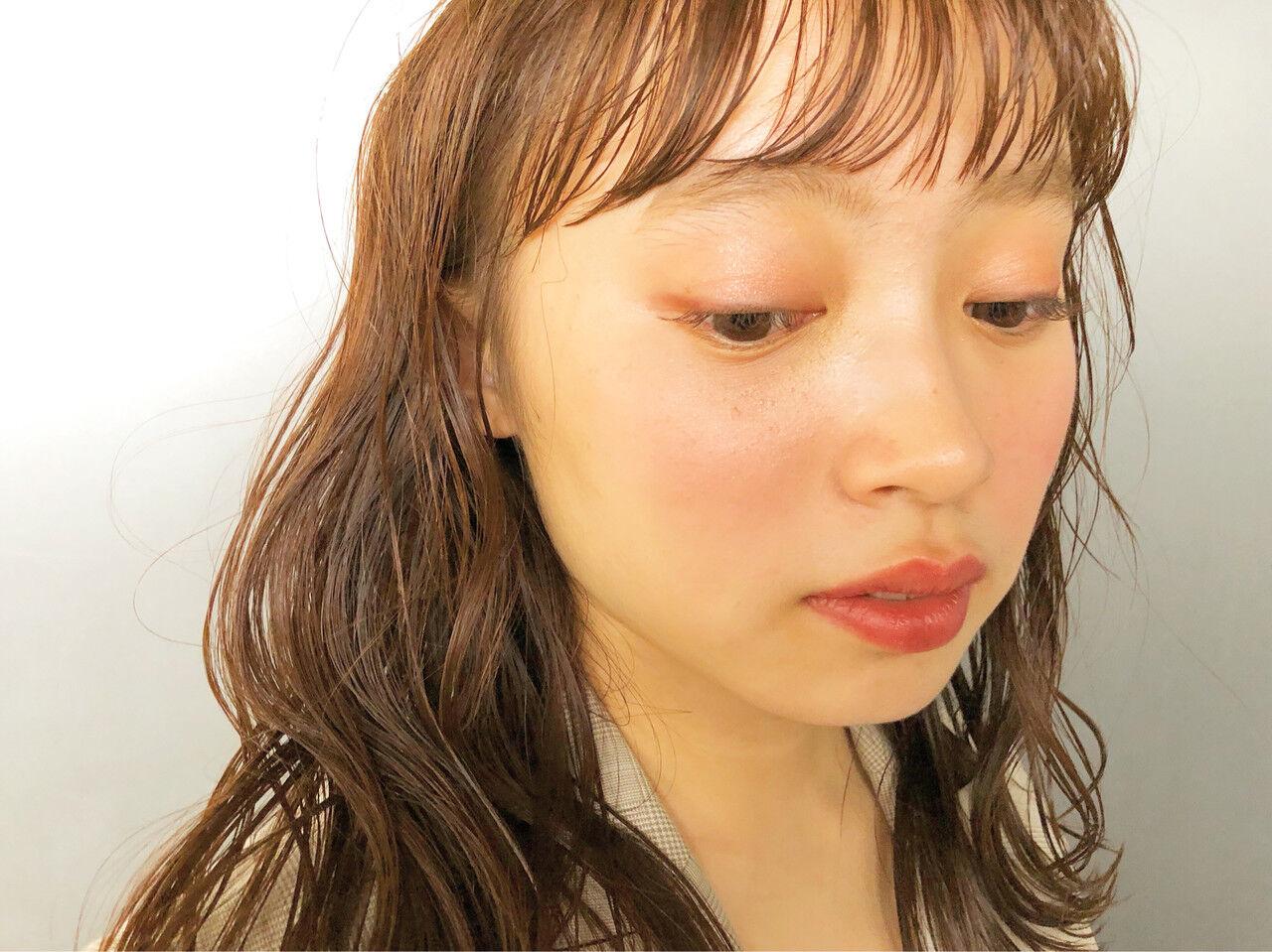 簡単ヘアアレンジ ヘアアレンジ ナチュラル ベージュヘアスタイルや髪型の写真・画像