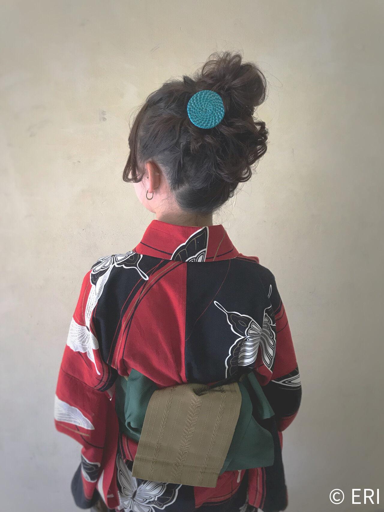 お団子ヘア ヘアアレンジ ミディアム ガーリーヘアスタイルや髪型の写真・画像