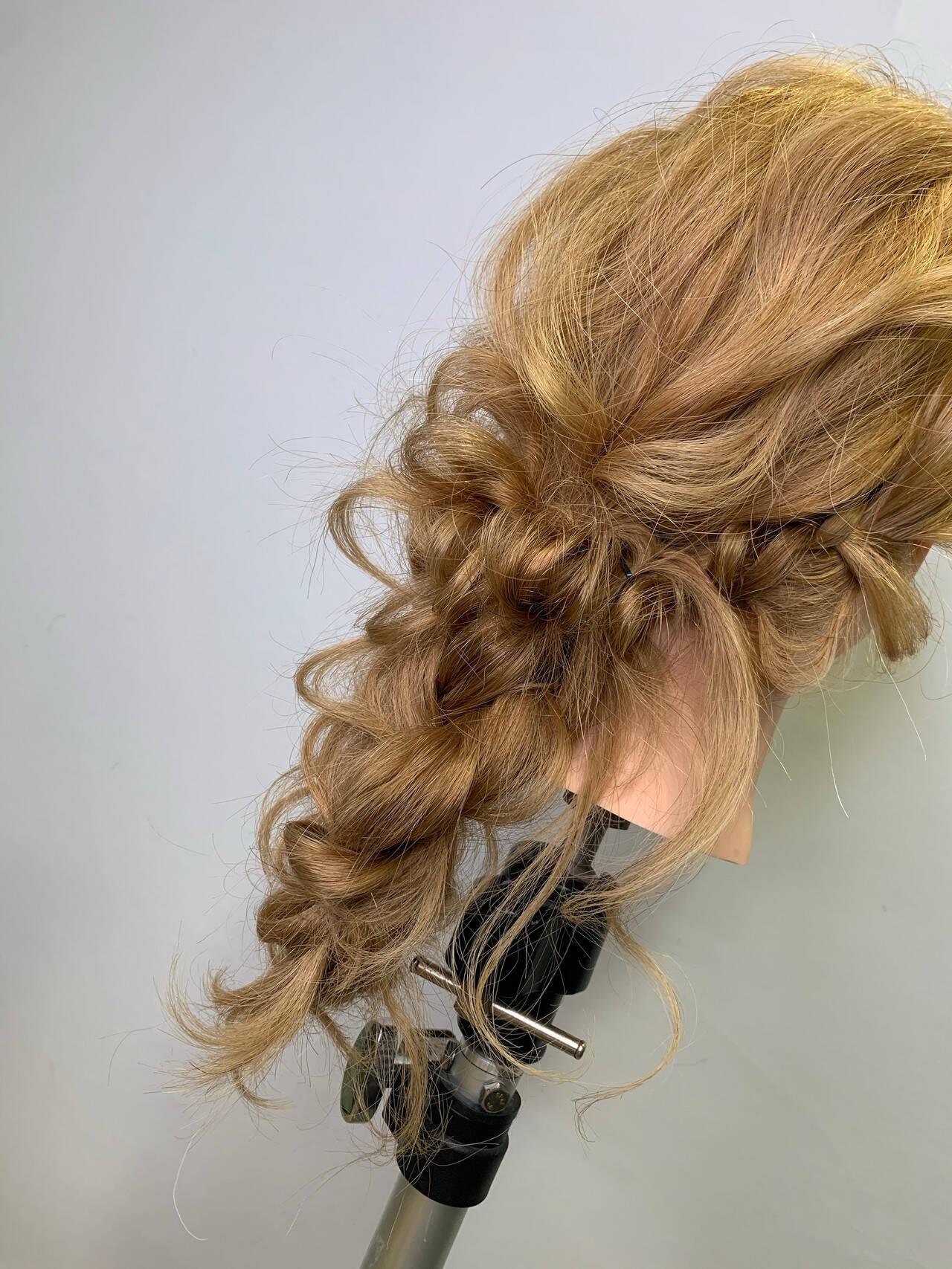 編みおろしヘア 編みおろし ヘアセット フェミニンヘアスタイルや髪型の写真・画像
