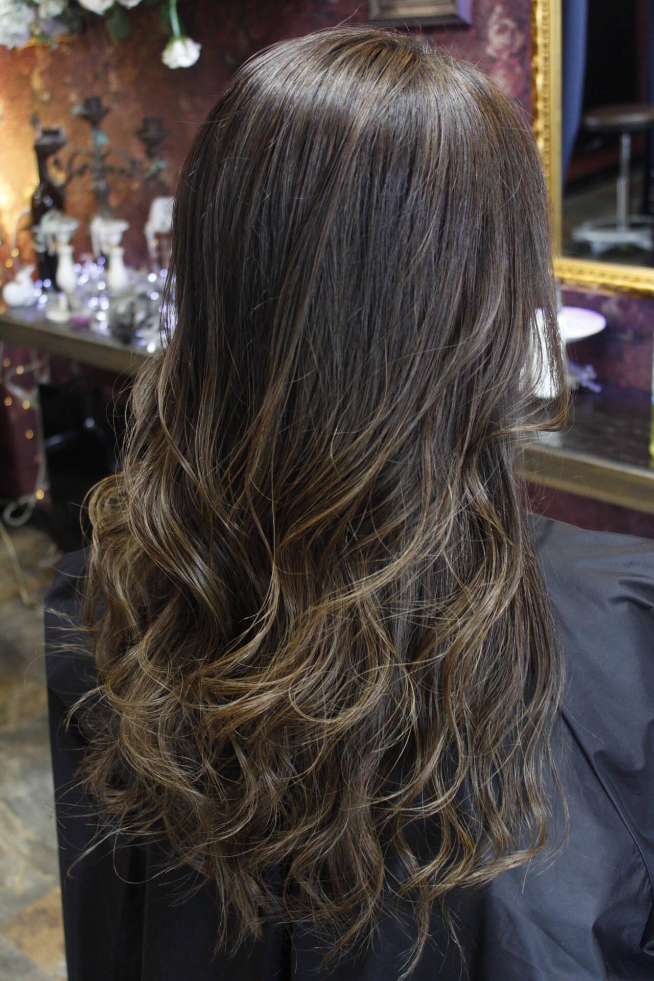 ブリーチ ミルクティーベージュ 外国人風カラー ロングヘアスタイルや髪型の写真・画像