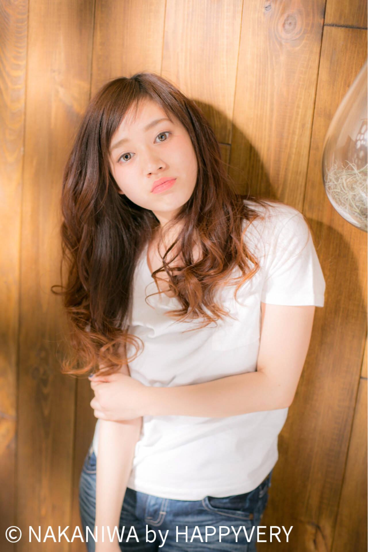 ロング レイヤーカット ハイライト 外国人風ヘアスタイルや髪型の写真・画像