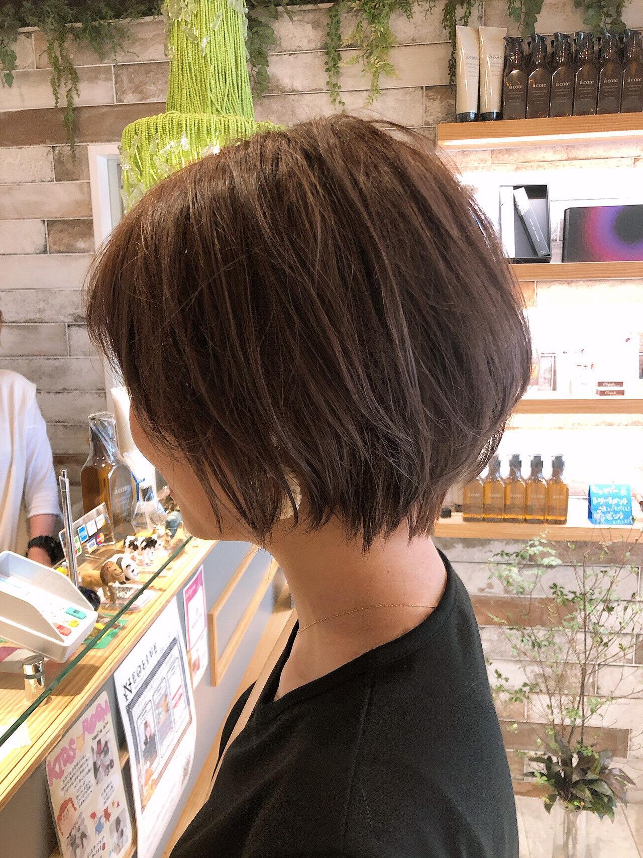 ショートボブ ショートヘア ナチュラル 小顔ショートヘアスタイルや髪型の写真・画像