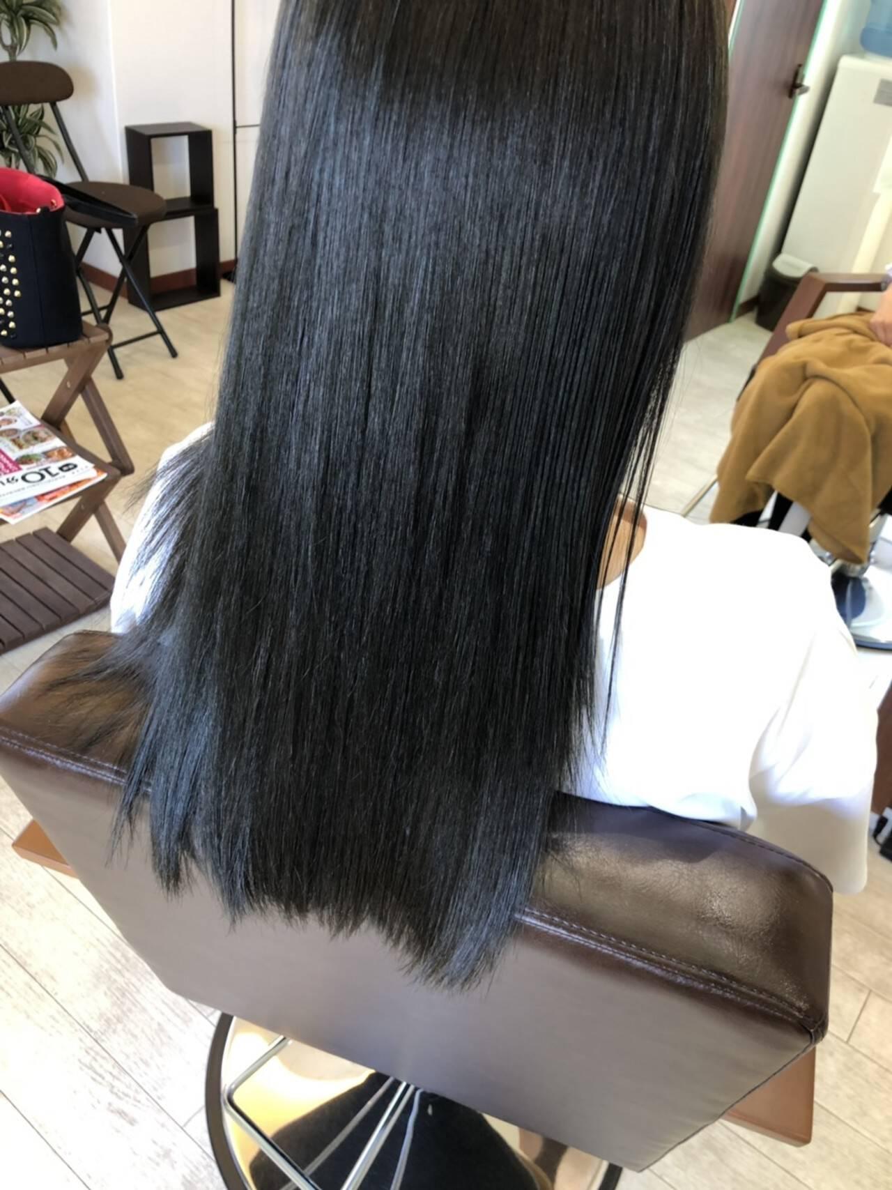 ヘアカラー オリーブアッシュ ロング ナチュラルヘアスタイルや髪型の写真・画像