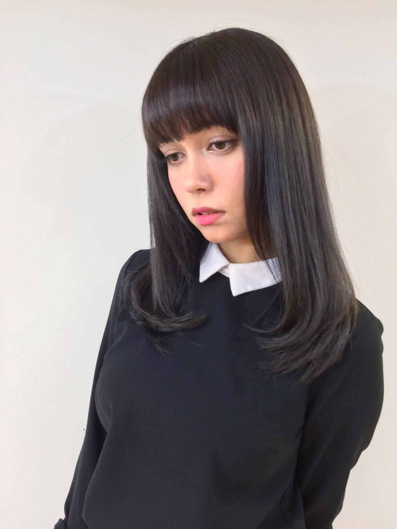 黒髪 暗髪 ストレート ロングヘアスタイルや髪型の写真・画像