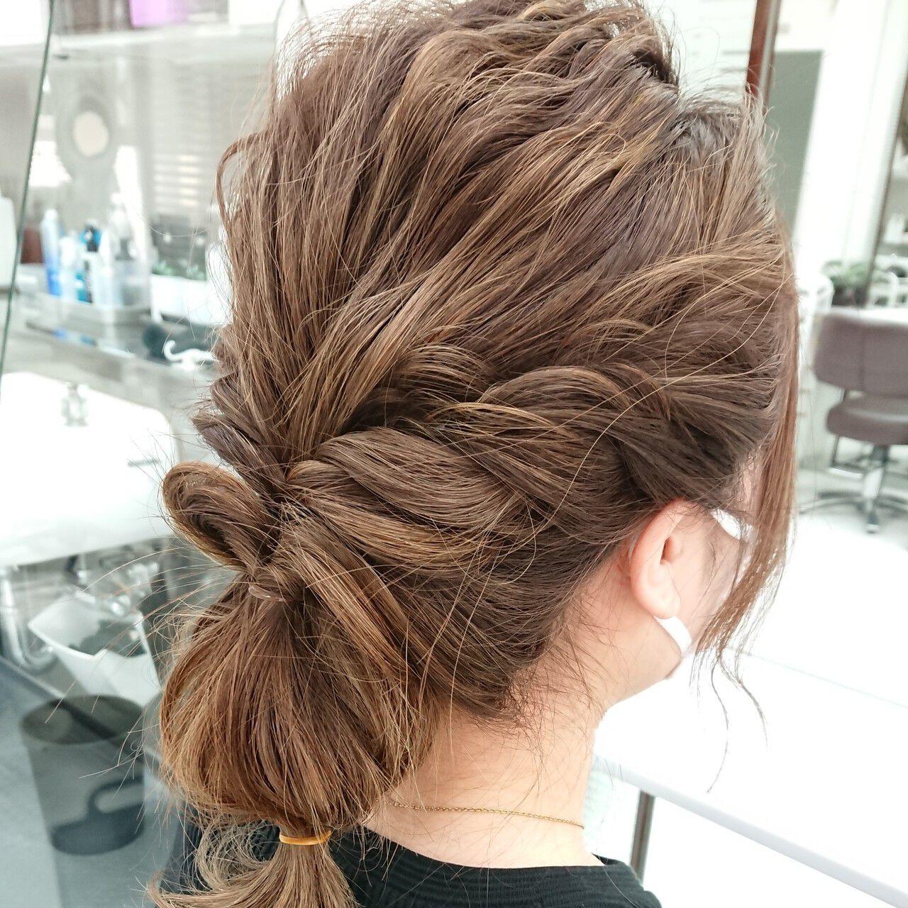 ねじり 伸ばしかけ ミディアム セルフヘアアレンジヘアスタイルや髪型の写真・画像