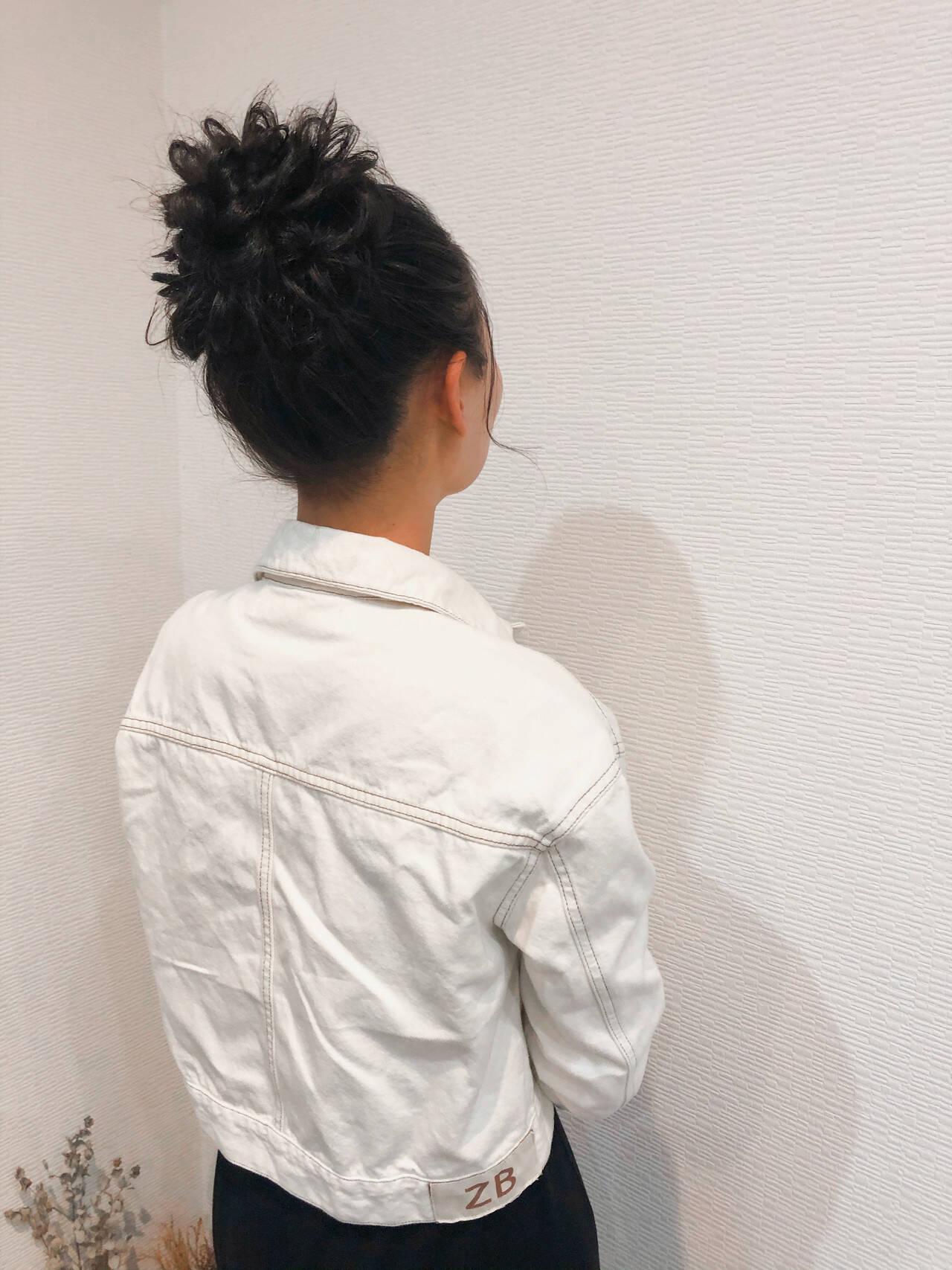 フェミニン お団子 ヘアセット アップスタイルヘアスタイルや髪型の写真・画像