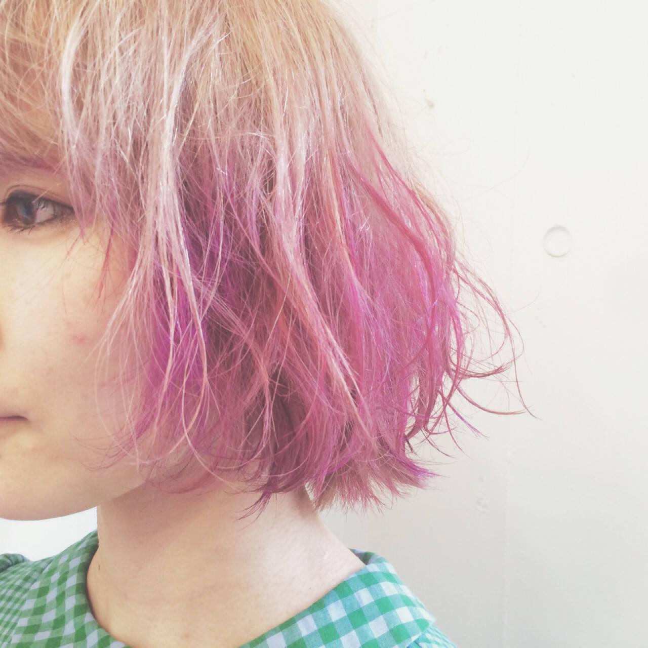 ガーリー グラデーションカラー ピンク ショートヘアスタイルや髪型の写真・画像
